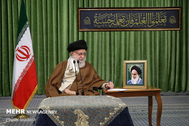 Leader meets with representatives of student organizations via videoconference