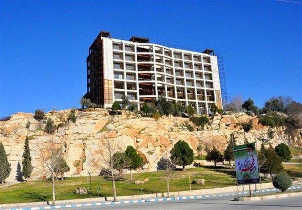 خواب ۲۴ ساله یک هتل صخرهای!