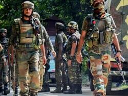 بھارت کے زیر انتظام کشمیر میں بھارتی فوج کی مظاہرین پر فائرنگ/ متعدد افراد زخمی