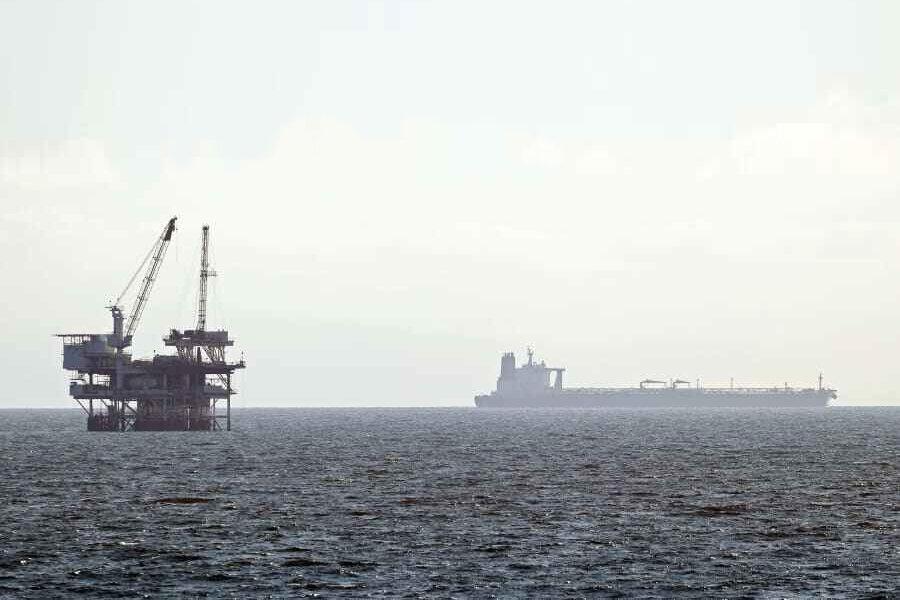قیمت نفت کاهش یافت/ هر بشکه برنت ۴۱.۵ دلار