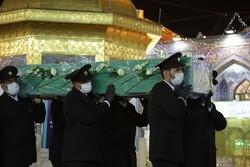 پیکر شهید مدافع حرم «محمدرضا فیضی» در حرم مطهر رضوی تشییع شد