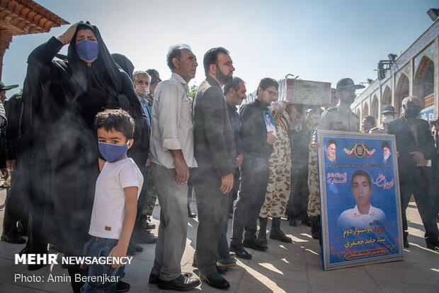 تشییع پیکر 4 شهید حادثه ناوچه کنارک در شیراز