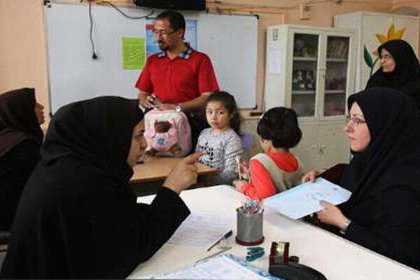 والدین و دانشآموزان و اولویت سلامتی در روزهای کرونایی/ ثبتنامهای دردسرساز