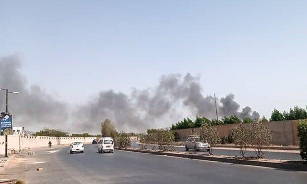 پاکستان میں مسافر طیارہ رہائشی علاقہ پر گر کر تباہ / 95 افراد کی ہلاکت کا خدشہ
