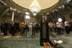 تہران یونیورسٹی میں نماز عید فطر کی ادائیگي