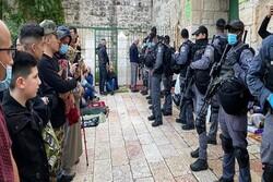 درگیری نظامیان صهیونیست با نمازگزاران فلسطینی در مسجدالاقصی