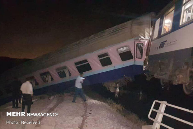 Train derails in Parand, Tehran