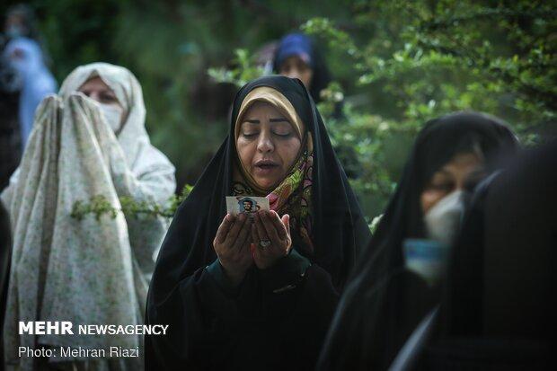 نماز عید فطر در استان سمنان اقامه شد/ رعایت فاصلهگذاری اجتماعی