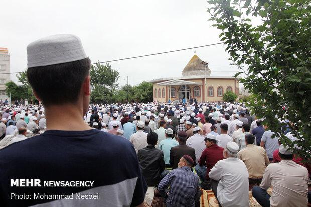 اقامه نماز عید سعید فطر در بندرترکمن