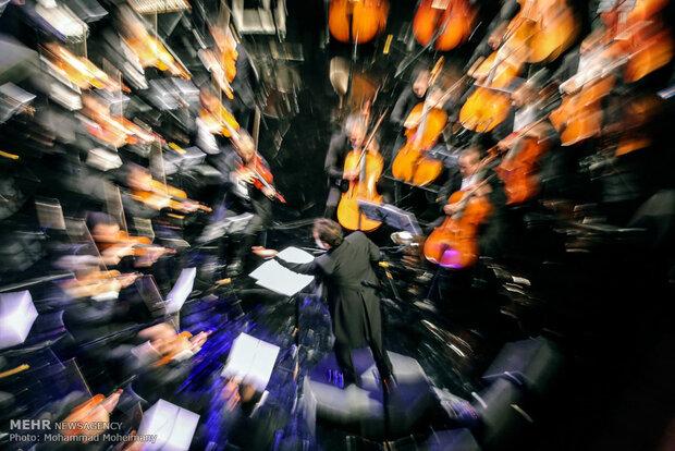 کنسرت ۳۰۰ هزار تومانی مخاطب دارد؟/ «کرونا» در کمین خوانندگان جوان