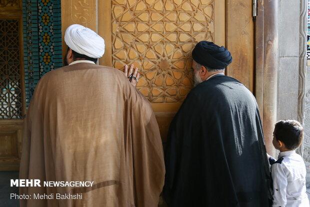 بازگشایی درب های حرم حضرت معصومه (س)