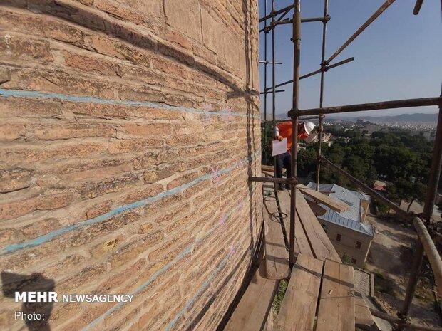 Restoring historic 'Falak-ol-Aflak' fortress in W Iran
