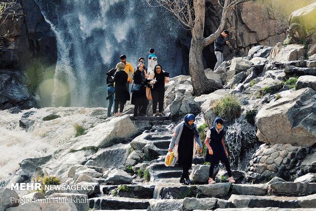 Hemedan kenti bayramda yerli turistlerle dolup taştı