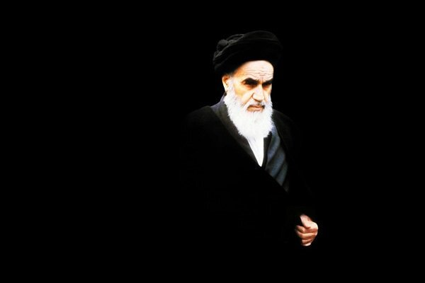 Imam Khomeini forced US to get its knee off the oppressed people's necks