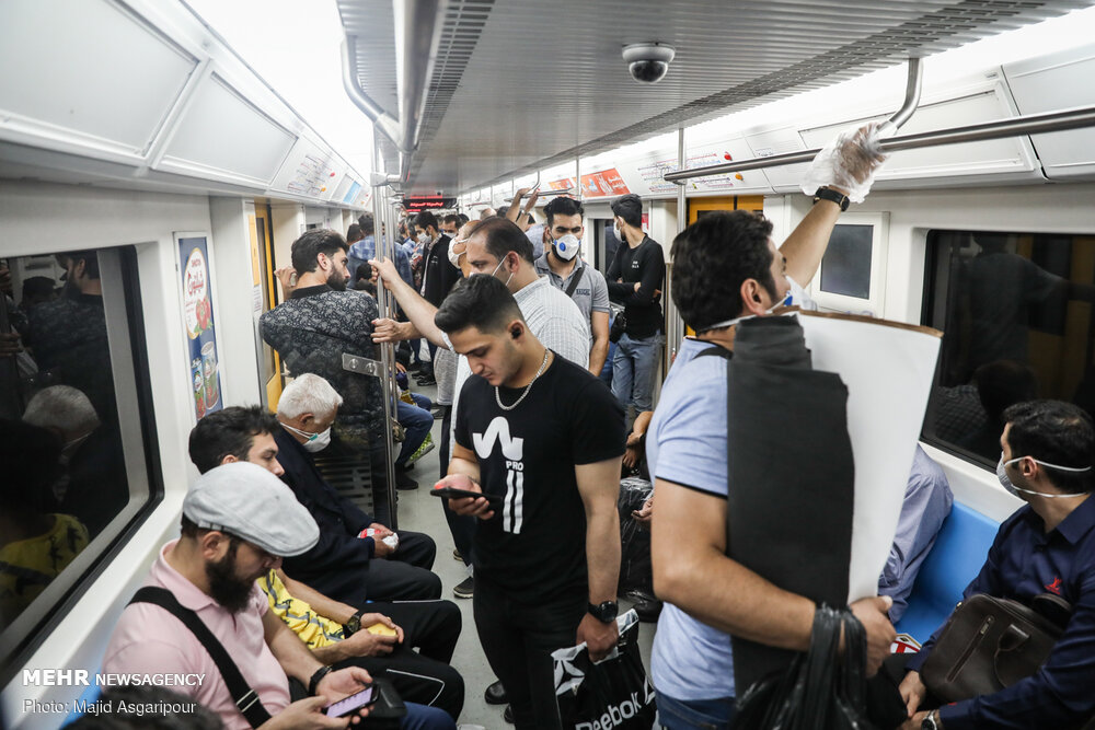 كورونا ومترو الأنفاق بمدينة طهران