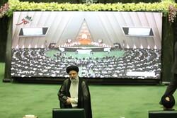 Özbekistan ve Tacikistan meclis başkanları yemin töreni için Tahran'da