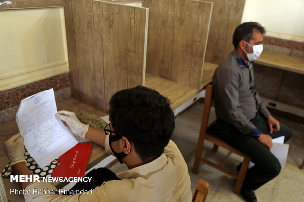 Schools' exams held in Hormozgan prov. by fully observing health protocols amid pandemic