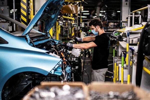 برنامه ۸ میلیارد یورویی فرانسه برای نجات بخش خودرو
