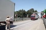 پایش بهداشتی کامیون های ورودی به ایران در مرز آستارا