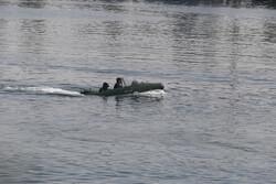 بحرية الحرس الثوري تلقي القبض على سفينة اجنبية تحمل وقودا مهربا