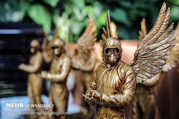 گرامیداشت شهدای سلامت و رونمایی از تندیس فرشته مهر