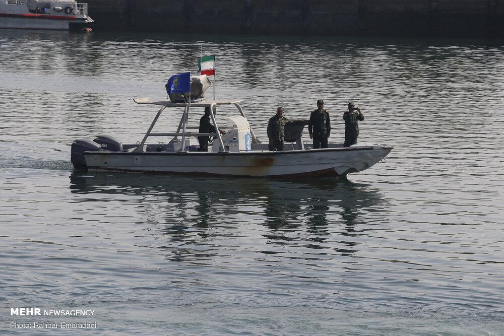 3463190 » مجله اینترنتی کوشا » نیروی دریایی سپاه، یک شناور خارجی با پرچم پاناما را توقیف کرد 1