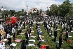 Türkiye'de 74 gün sonra ilk cuma namazı kılındı