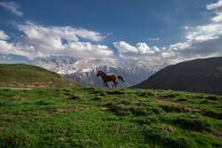 """الطبيعة الجبلية الخلابة لمدينة """"الموت"""" شمال ايران / صور"""