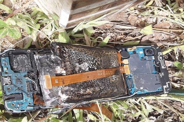 سامسنگ کے موبائل میں آگ لگ گئی