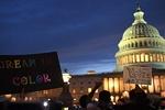 Beyaz Saray önünde protestocular ile polis arasında çatışma