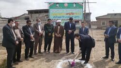 کلنگ احداث ۲۵۰ واحد مسکونی ویژه محرومان در آق قلا به زمین زده شد