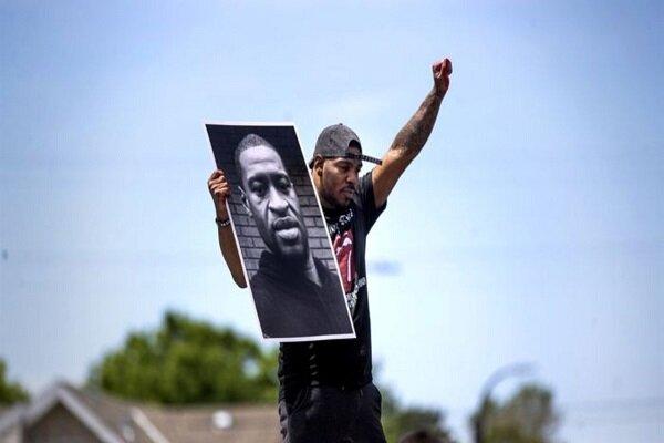 أصداء مقتل الرجل الأمريكي الأسود في الإعلام الإيراني