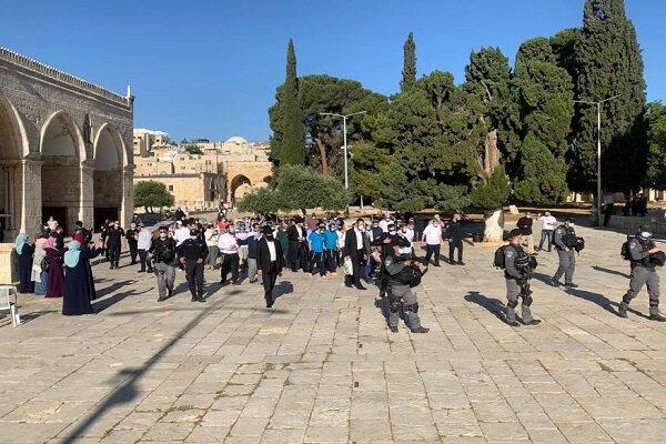یورش نظامیان صهیونیست به نمازگزاران فلسطینی در مسجدالاقصی