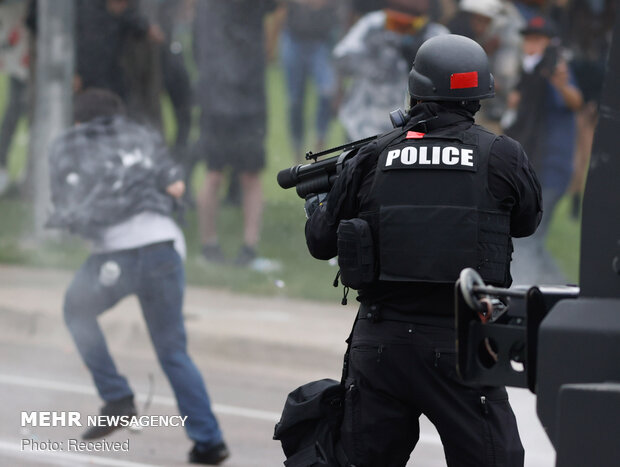 Russia slams US police's use of riot control weapons against reporters