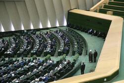 دولت به مشکل آب گرفتگی خوزستان توجه کند
