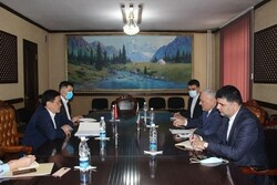Iranian ambs. holds meeting with economy min. of Kyrgyzstan