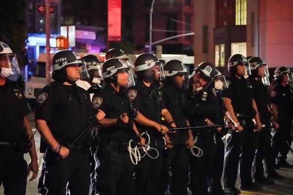 فرماندار نیویورک حکومت نظامی اعلام کرد