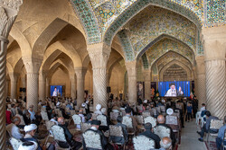 شیراز کی وکیل مسجد میں حضرت امام خمینی (رہ) کی یاد میں تقریب منعقد