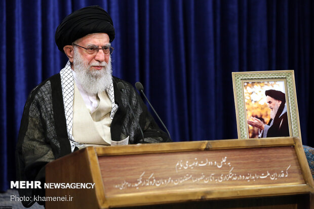 سخنرانی تلویزیونی رهبر انقلاب به مناسبت سالگرد ارتحال بنیانگذار کبیر انقلاب اسلامی