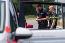انحراف یک خودرو به درون کافه ای در هلند/ راننده بازداشت شد