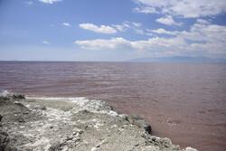 آغاز رهاسازی ۱۰ میلیون مترمکعب از آب سد قلعهچای به دریاچه ارومیه
