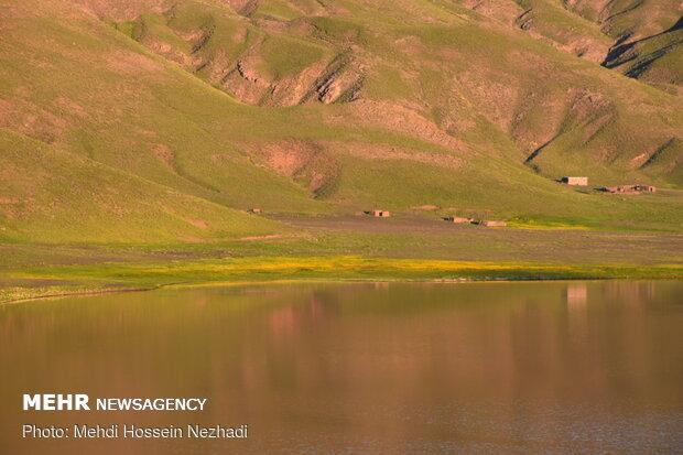Neor; İran'ın tatlı su gölü