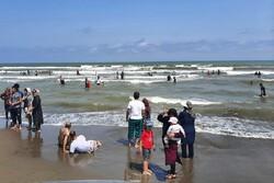 انبوه مسافران در ساحل مازندران