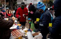 گرفتار شدن مهاجران بولیویایی در مرز شیلی در پی شیوع ویروس کرونا