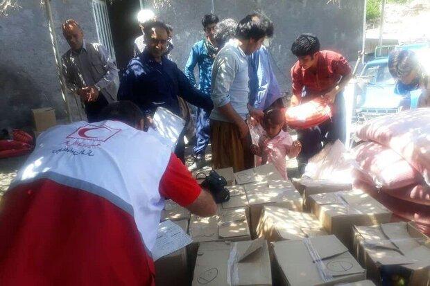 توزیع بستههای غذایی و بهداشتی در میان روستاییان لرستان