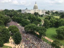 ادامه اعتراضات و خشونت پلیس در آمریکا