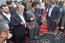 وصول جثمان الراحل رمضان شلح لإقامة الصلاة