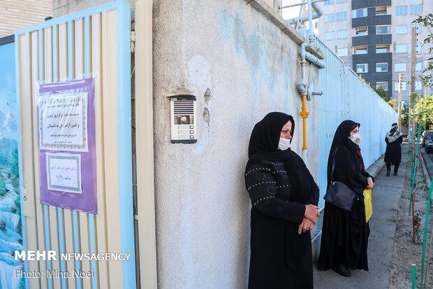 الامتحانات النهائية في ظل أزمة كورونا / صور