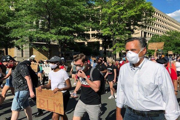 «میت رامنی» به صف معترضین ضد نژادپرستی پیوست