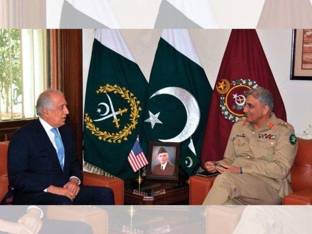 پاکستانی فوج کے سربراہ کی زلمے خلیل زاد سے ملاقات